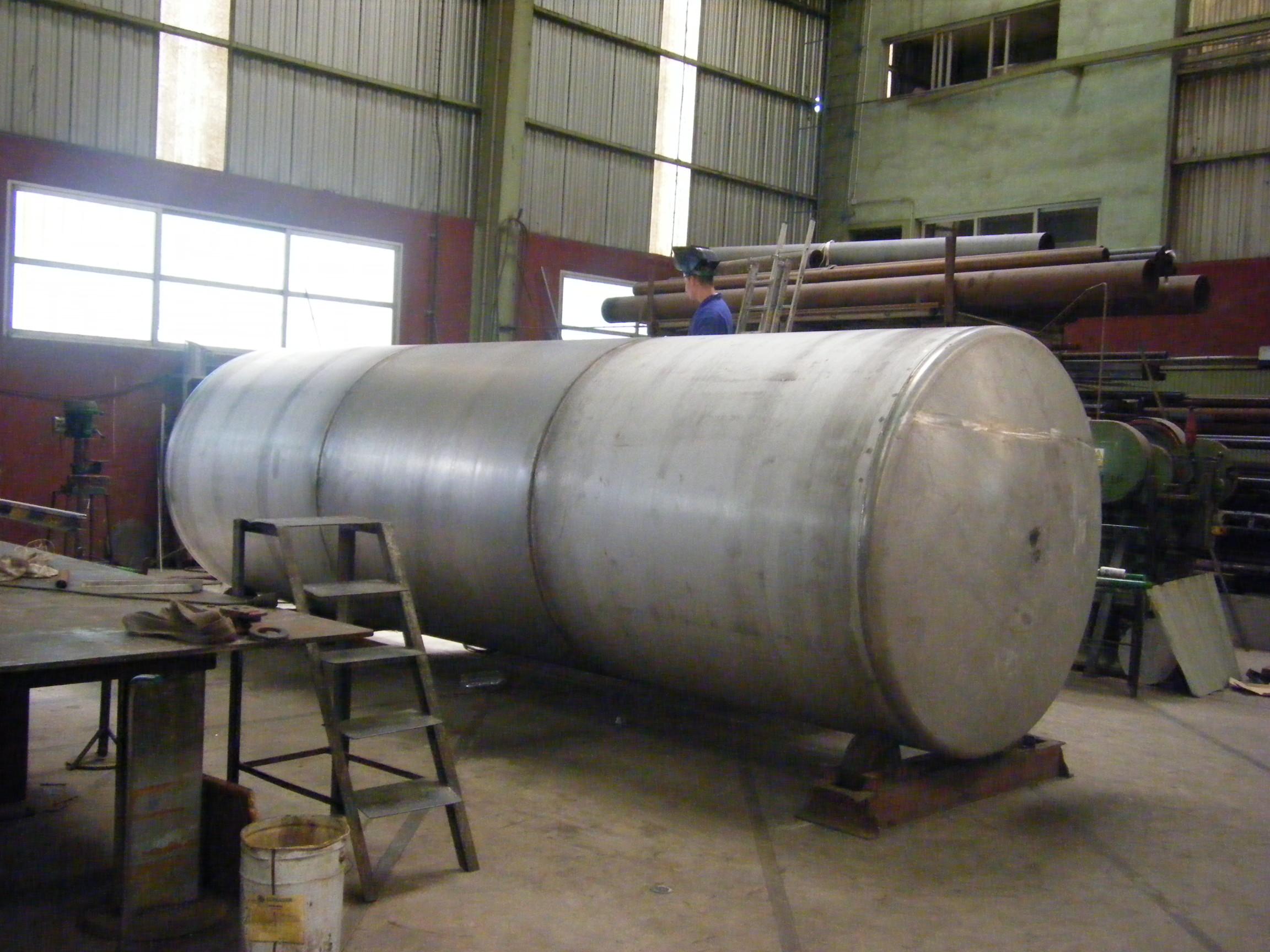 deposito nodriza vertical agua calderas de vapor Calderería López Hermanos, S.A. Valencia