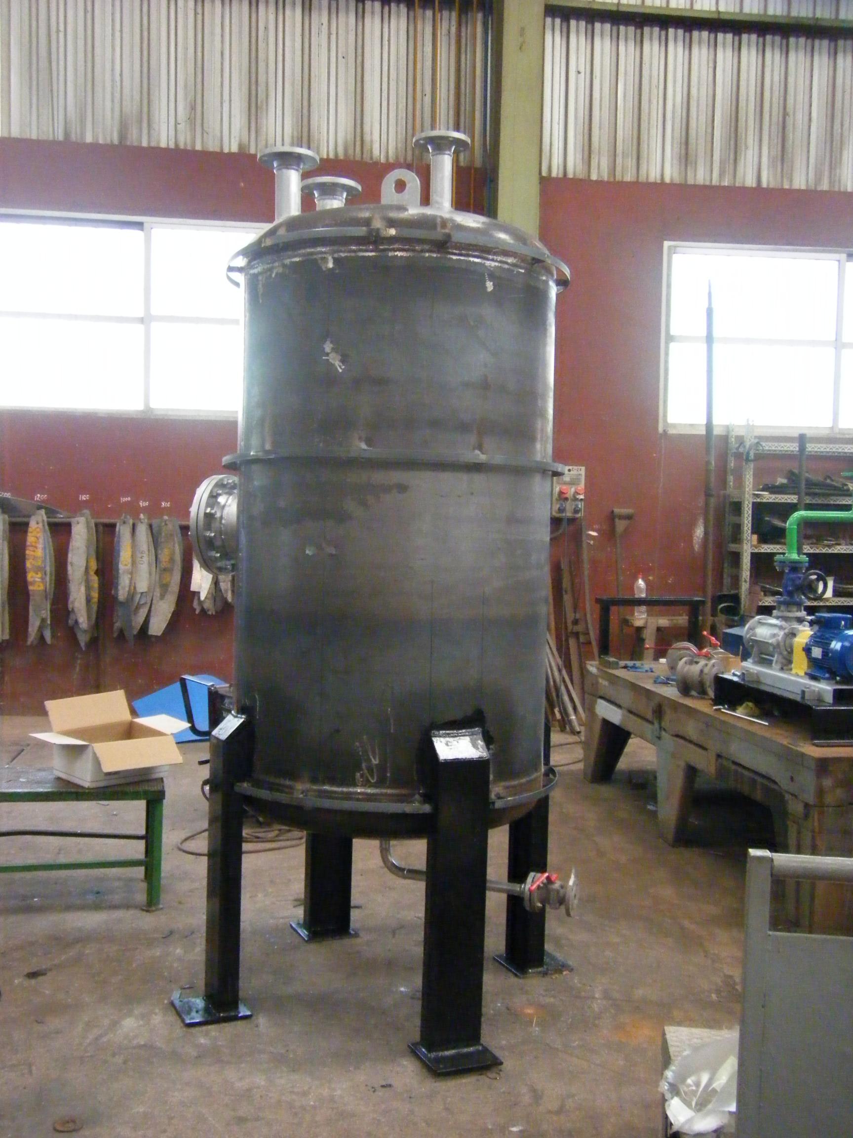 Deposito de purgas calderas de vapor Calderería López Hermanos, S.A. Valencia